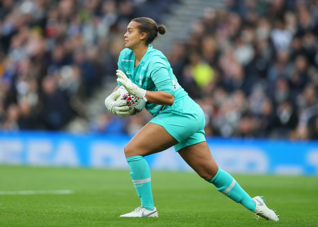 Tottenham Hotspur keeper signs on for next season
