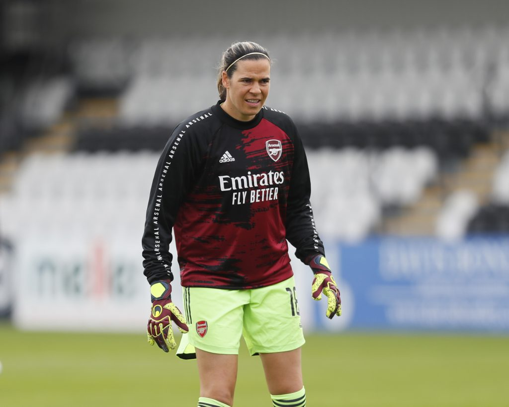 Arsenal take up one-year extension option on goalkeeper Williams