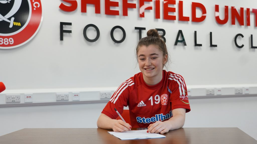 Docherty signs first Sheffield United contract